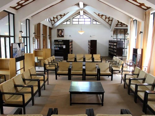 Hamid Library Senior School Interior
