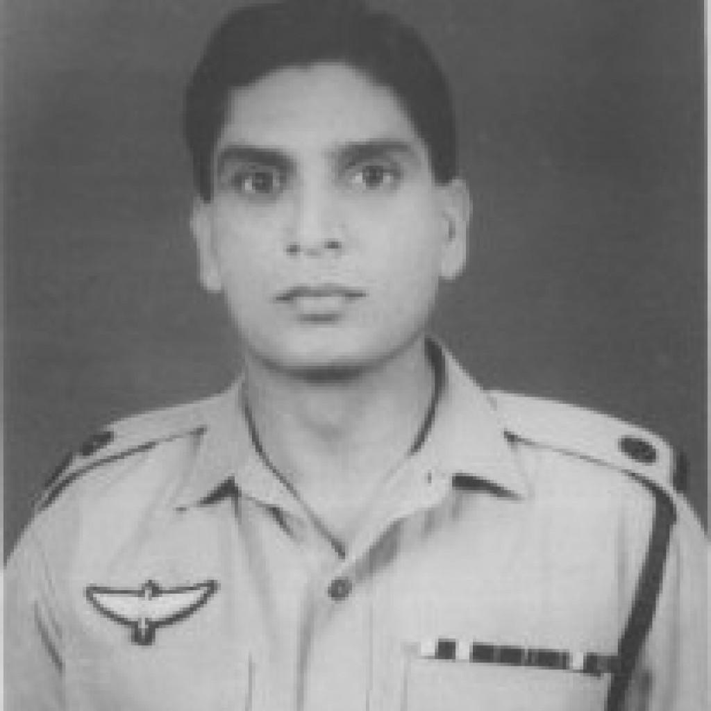 Maj Shamim Alam Khan Commanding SSG Company